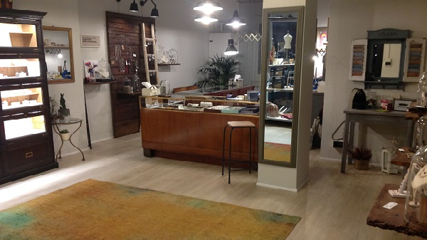 Etoile Gioielli negozio Sassuolo bancone