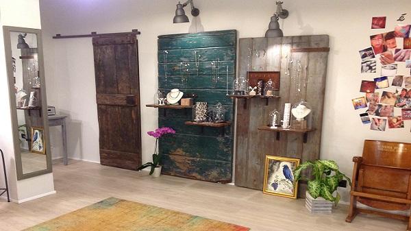 Etoile Gioielli negozio Sassuolo espositori appesi