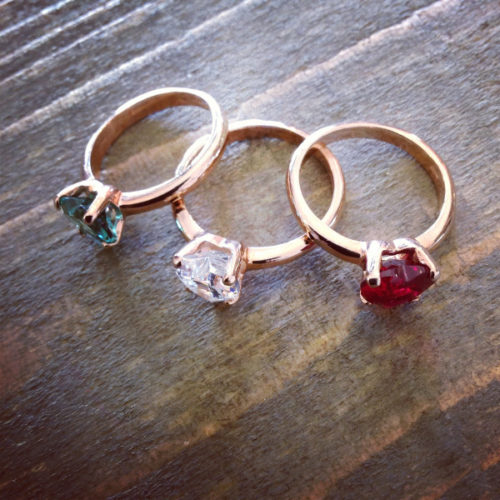 Anello con cuore colori disponibili assortiti in vendita sullo store Etoile Gioielli