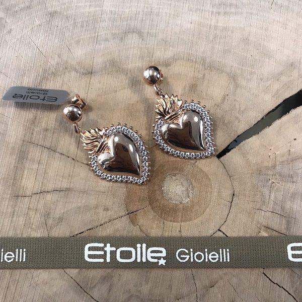 Orecchini pendenti con cuore sacro in vendita sullo store Etoile Gioielli