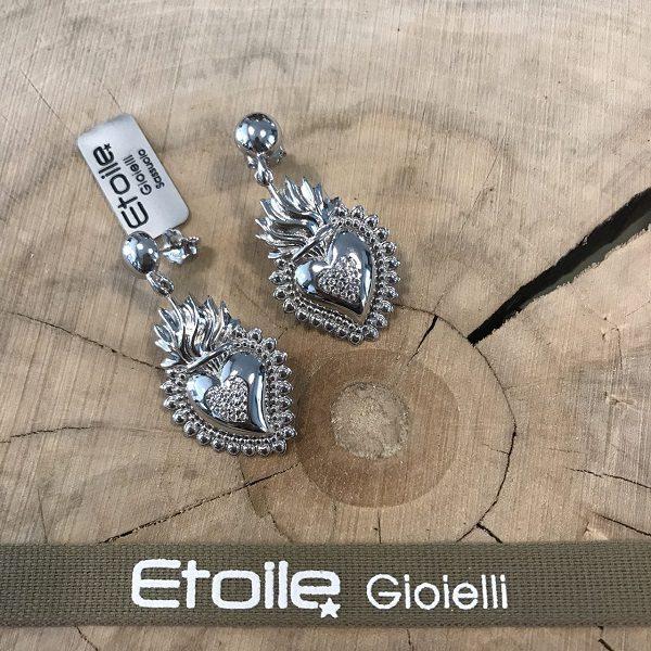 Orecchini pendenti con cuore sacro e zirconi in vendita sullo store Etoile Gioielli