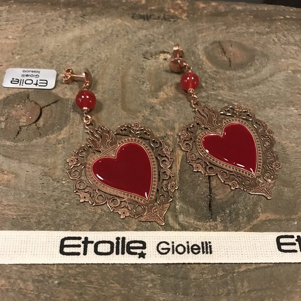 Orecchini pendenti cuore sacro rosso in vendita sullo store Etoile Gioielli